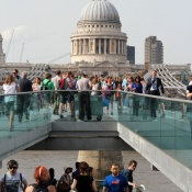 Millennium Bridge og St Pauls Cathedral